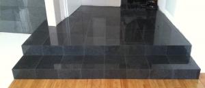 Granitne stopnice - črne (Kamen-Mojster.si)